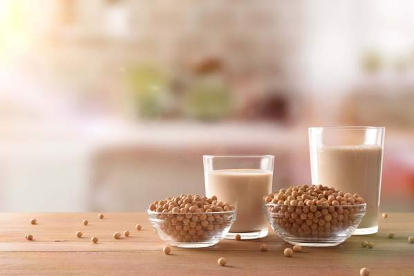 Sojaprodukte: Sojaschnetzel und Sojadrinks